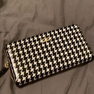 Kate Spade houndstooth wallet
